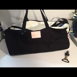 VICTORIA SECRET DUFFLE BAG NEW
